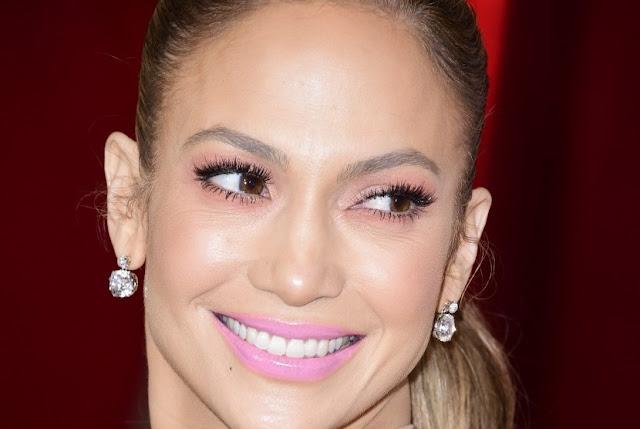 6 Cara Ampuh Memutihkan Gigi Gigi Kuning Hingga Putih Bersih Sukahise