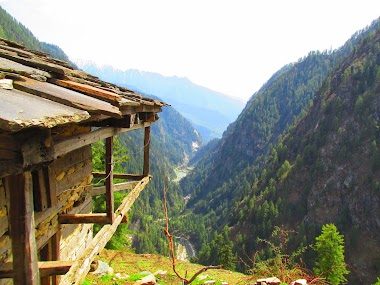 Wandering in the Parvati Valley in Malana