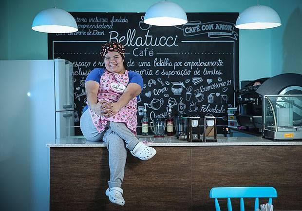 Paulistânia lança cerveja com primeira empreendedora com sindrome de Down no Brasil