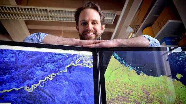 O hidrólogo Tamlin Pavelsky da Universidade da Carolina do Norte com imagens de satélite Landsat constatou que superfície de água doce é 44% maior do que se dizia.