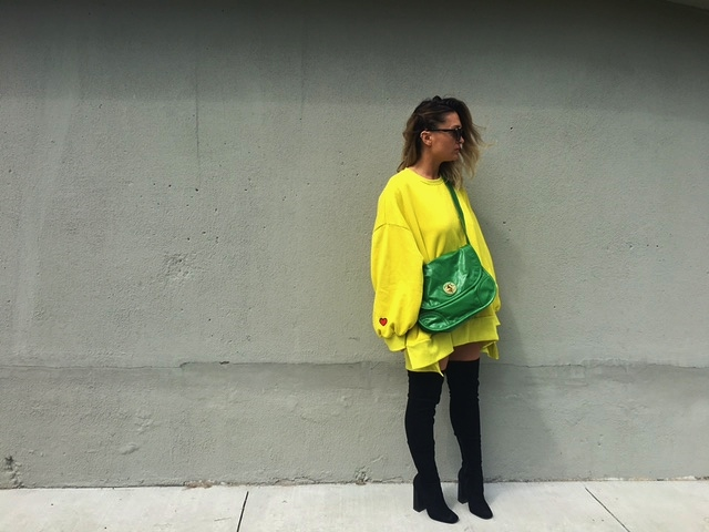 Oversized sweatshirt, yeezy style, OTK boots, spring outfit with boots, spring outfit with sweatshirt, pantone green color, designer consignment store, best fashion  blogger outfits, spring 2017 blogger outfit, toronto streetstyle, toronto fashion blogger, europe, lisbon, london style