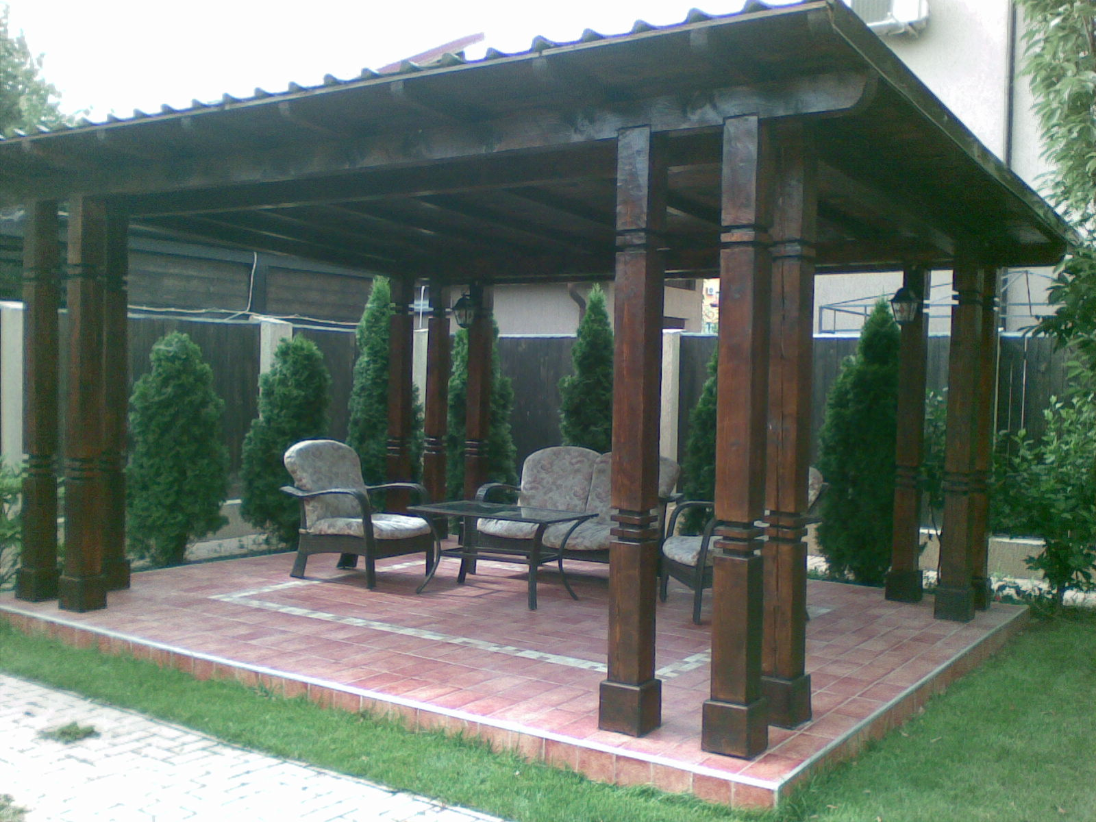 Immagini aiuole terrazzi e giardino for Soluzioni per piccoli giardini