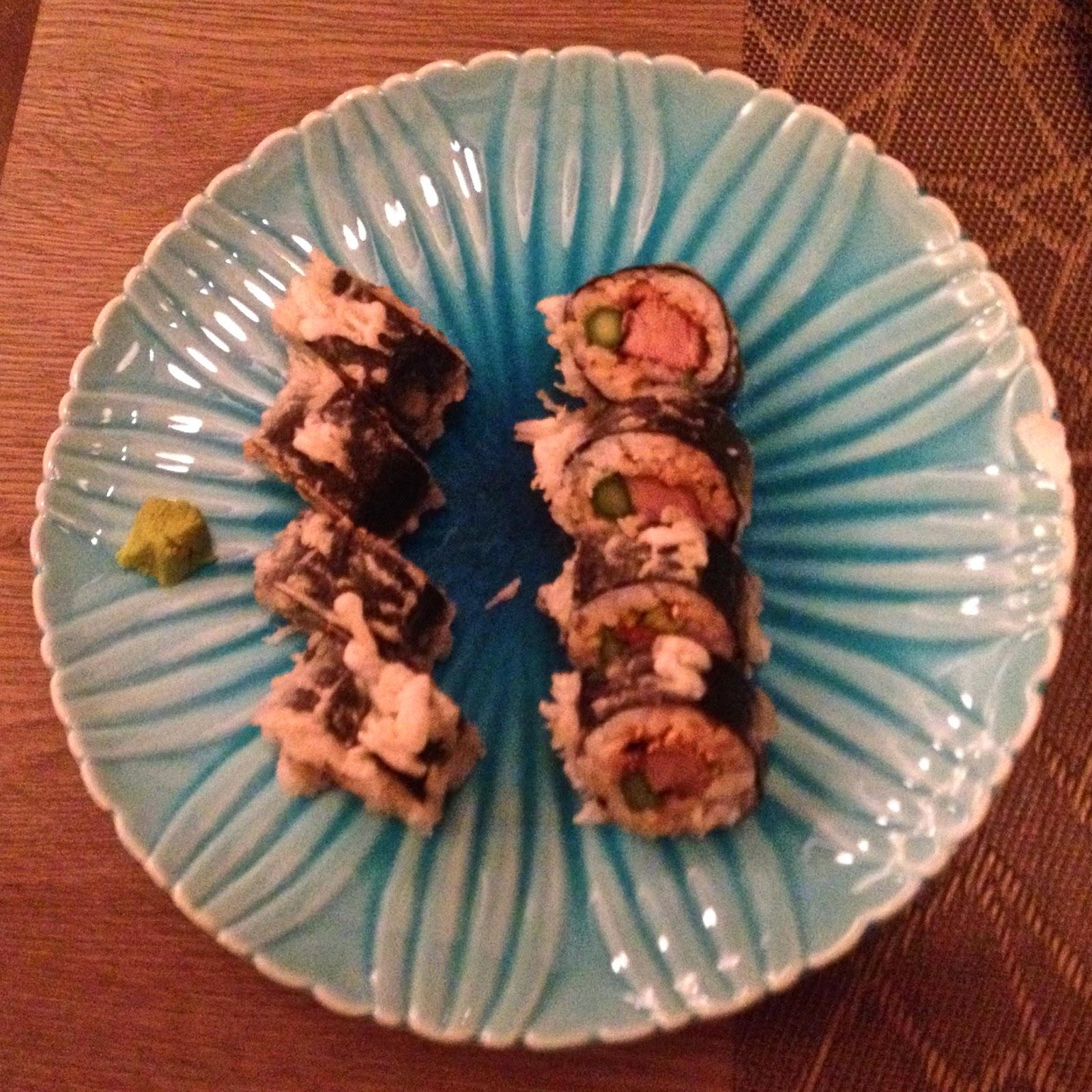 Yoshi restaurante japones chueca sushi makis tallarines