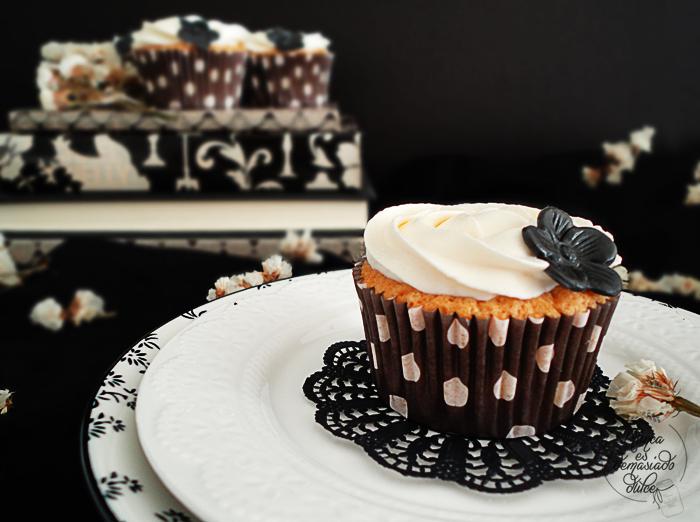 cupcake-cupcakes-chocolate-blanco-white