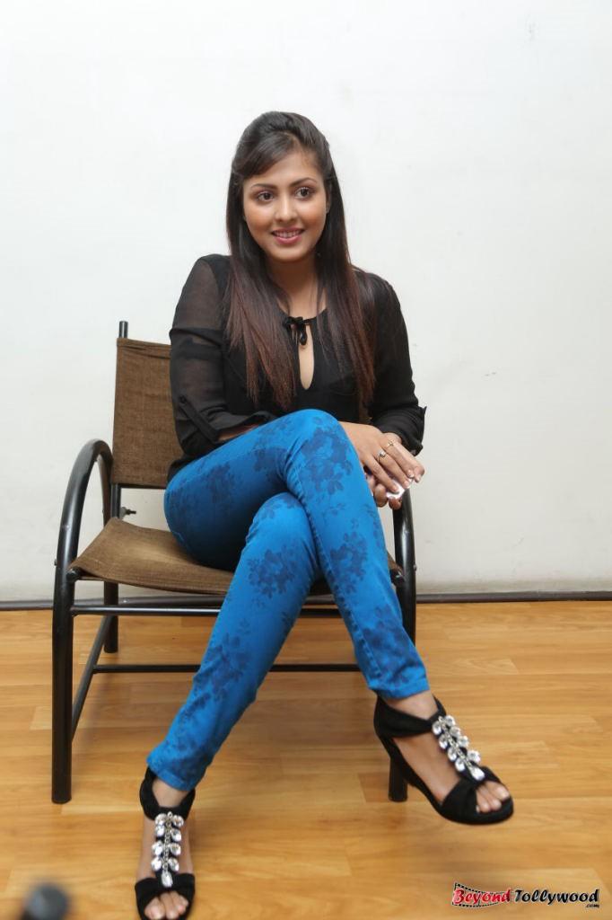 Image Galaxy Madhu Shalini At Om Namah Shivaya Art Show-9125