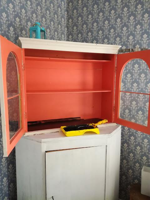 vanhojen huonekalujen maalaaminen