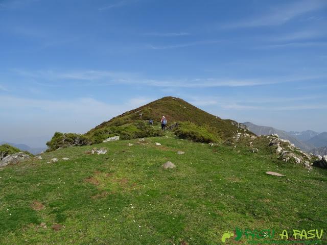 Llegando al Pico Cuchu, Aller