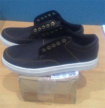 Sepatu dari Cahstree