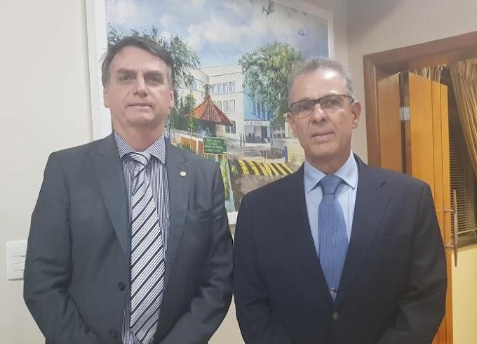 POLÍTICA: Bolsonaro anuncia almirante Bento Costa Lima Leite para Minas e Energia.
