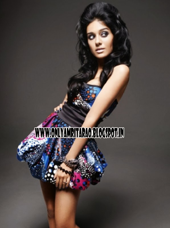 http://blogonbollybabes.blogspot.com/2013/08/amrita-rao-in-funky-dress.html