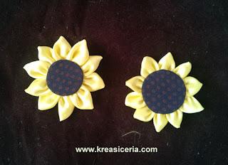 Ide Kreatif Membuat Bunga Matahari dari Kain Perca Satin