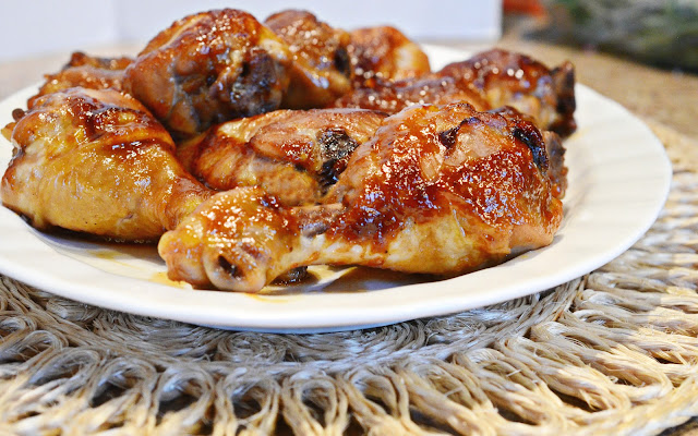 How to bake chicken legs in the oven, sweet and salty chicken legs, chicken and soy sauce recipe