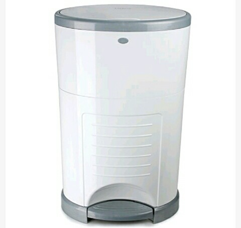 Dékor Diaper Pail / Trash Can with Foot Pedal