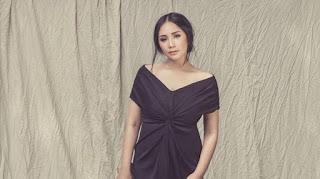 Fashion Item Yang Wajib Dimiliki Oleh Wanita Gendut Supaya Tetap Tampil Cantik dan Kekinian