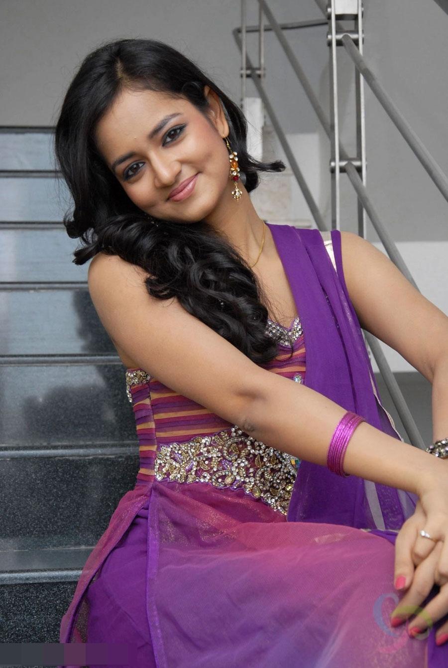 Beautiful Indian Girl pics, Desi Girls pics, Cute Indian ...