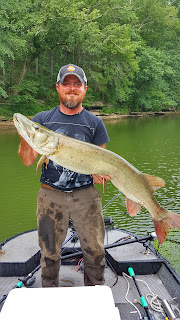 in the spread muskie fishing videos cory allen jigging musky