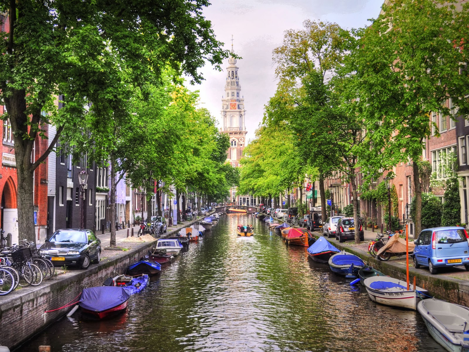 HENRI Luxury Lifestyle: 400 Years Amsterdam Canals