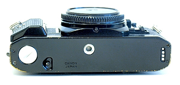 Canon AE-1 Program, Bottom