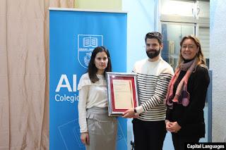 Alaine Uriarte recibe el Certificado Oficial de Centro Preparador para el colegio Alazne