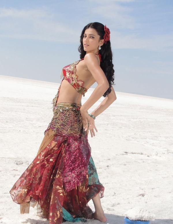 Shruthi Hassan Latest Hd Wallpapers