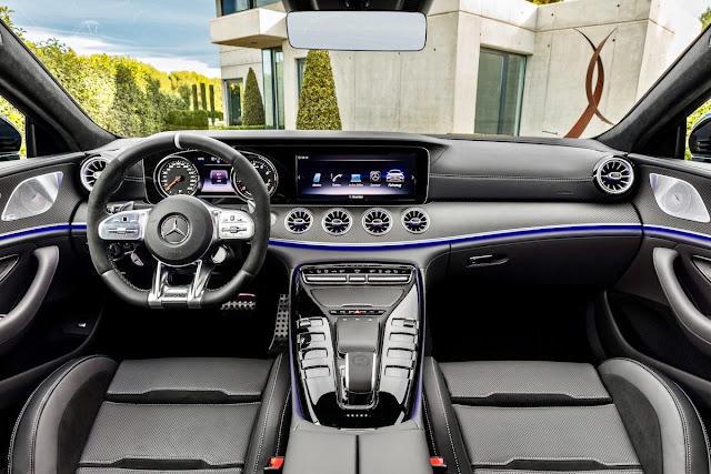 メルセデスAMG GT 4ドアクーペ インテリア