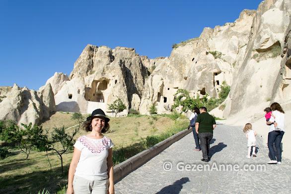 Kapadokya'da Göreme Açık Hava Müzesi'ni dolaşırken, Nevşehir