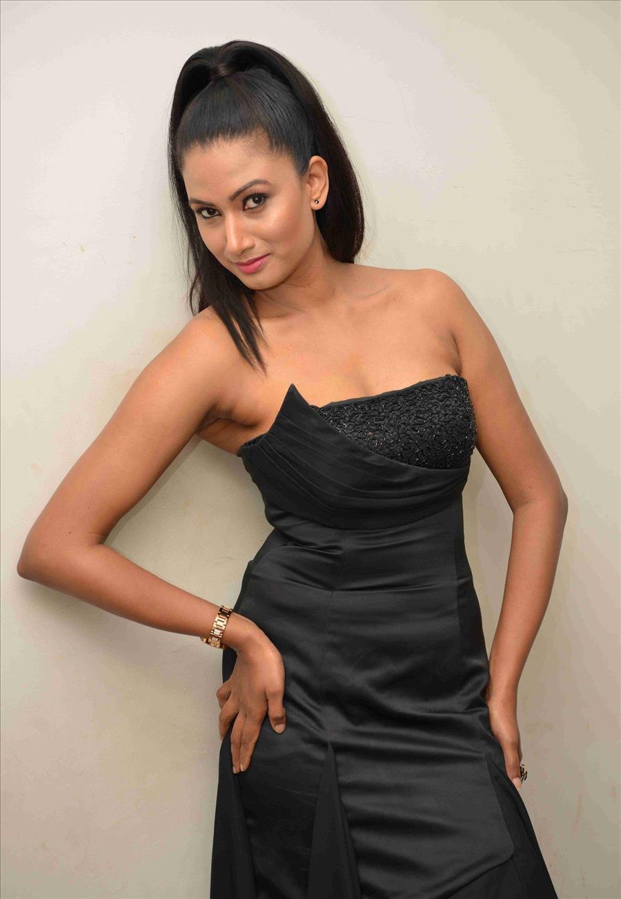 Beautiful Indian Girl Samhita Vinya In Sleeveless Black Gown