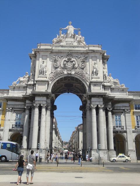 Rua Augusta vista de fora da Porta - Lisboa - Portugal