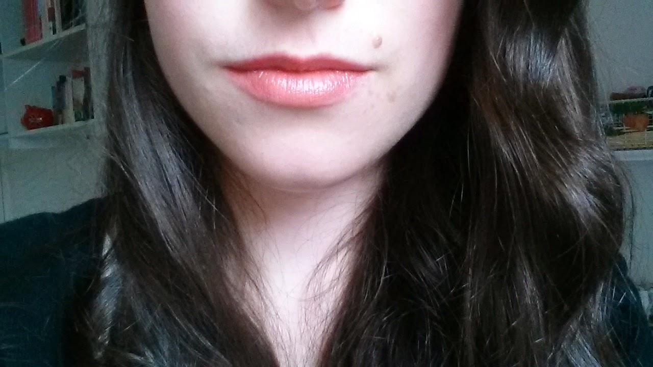 Créateurs de beauté rouge à lèvres b glossy swatch