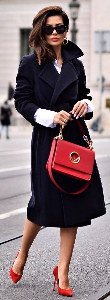 amazing outfit idea : red bag + black long coat + heels