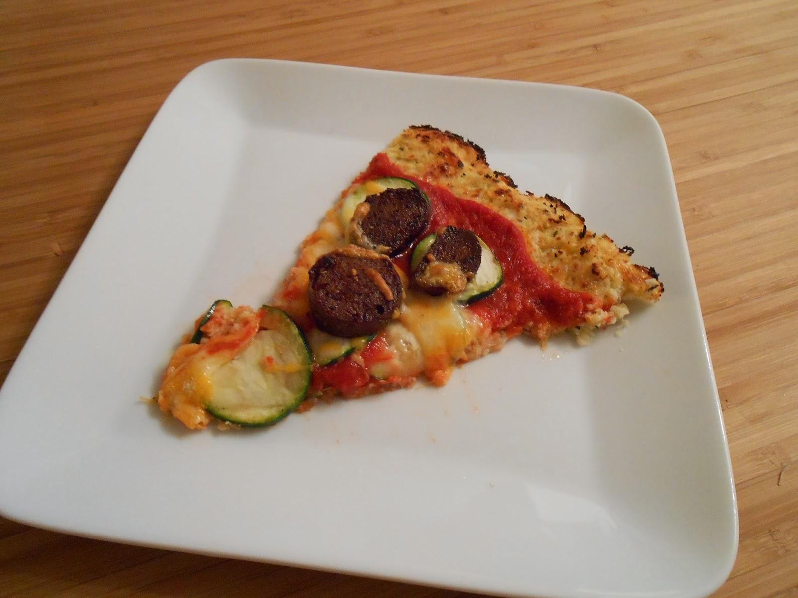 eat cook and love pizza cro te de chou fleur courgettes et saucisses italiennes de tofu. Black Bedroom Furniture Sets. Home Design Ideas
