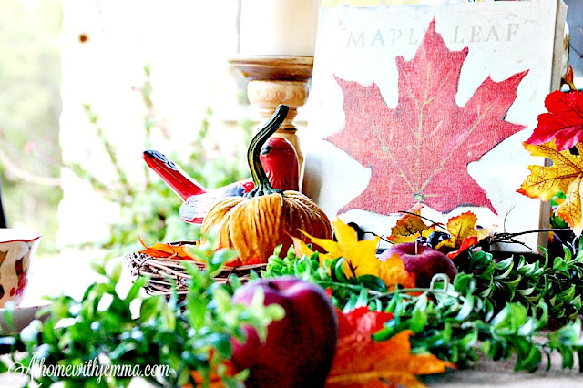 Fall-Autumn-Holiday-outdoor-decorating-centerpiece-pumpkin-woodsy