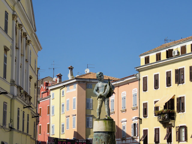 Little boy statue in Rovinj Old Town
