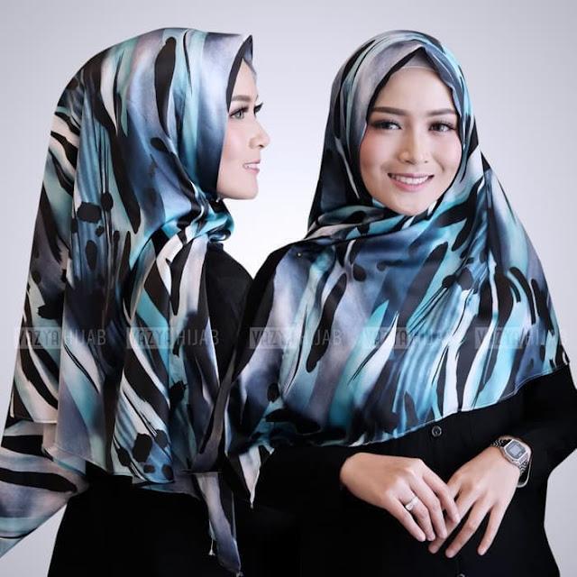 Hijab Jilbab Triangle  / Jilbab Segitiga Instant Motif Loreng Warna BIRU TOSCA