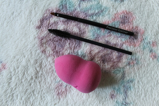 My Most Used Make Up Brushes, Real Techniques, No7, Cosmopolitan, Sponge, Make Up Brushes, Brushes, Review, Beauty Blogger, Beauty,