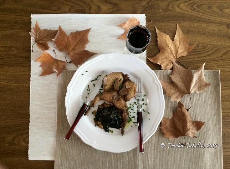 codornices-hojas-mesa