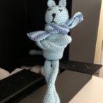 http://www.patronesamigurumi.org/patrones-gratuitos/gatos/triste-y-azul-1/