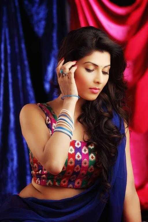 Friendship Shayari SMS - Hindi Shayari One Shayari a Day