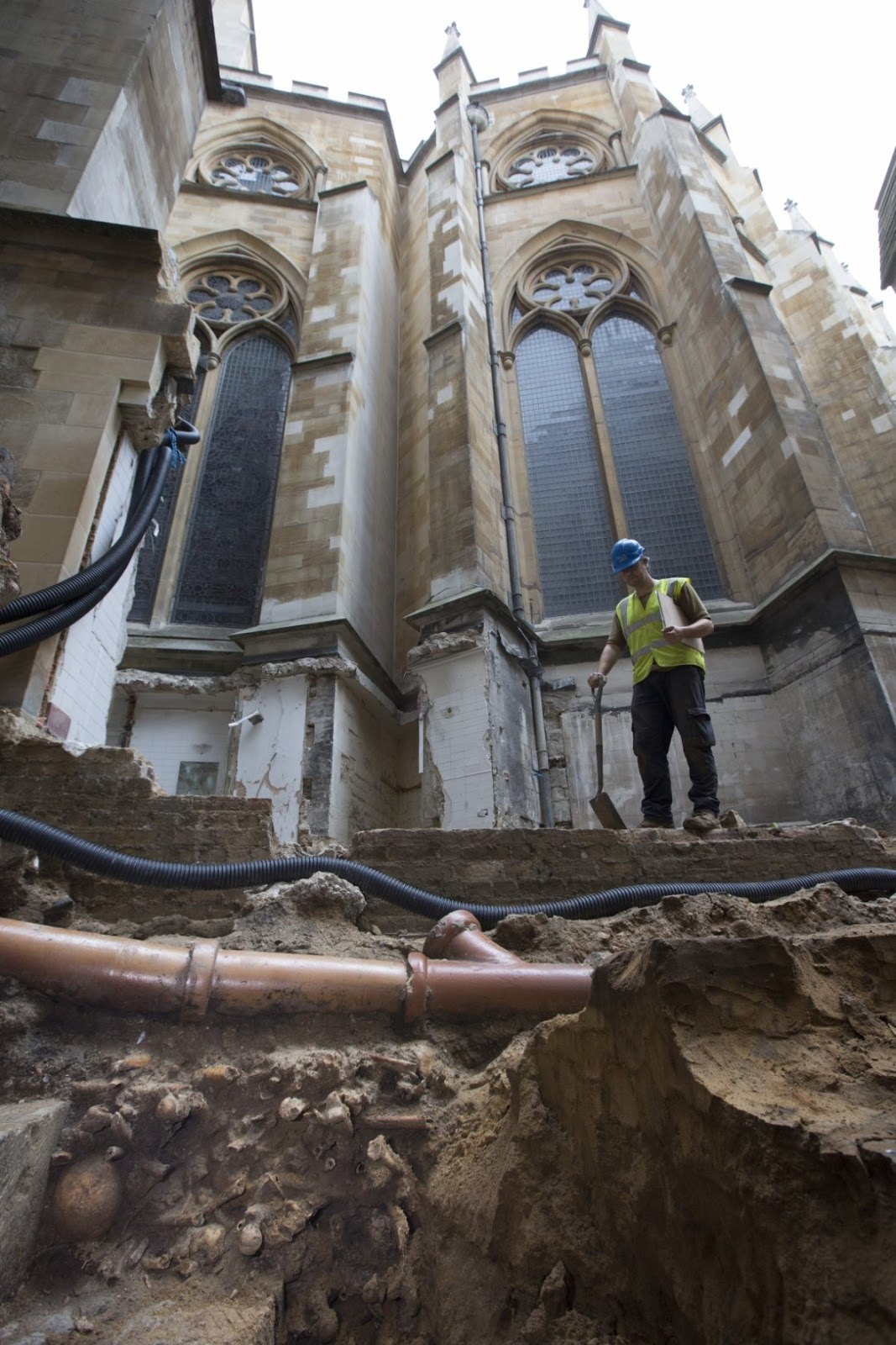 Medieval Burial Ground Found At Westminster Abbey The