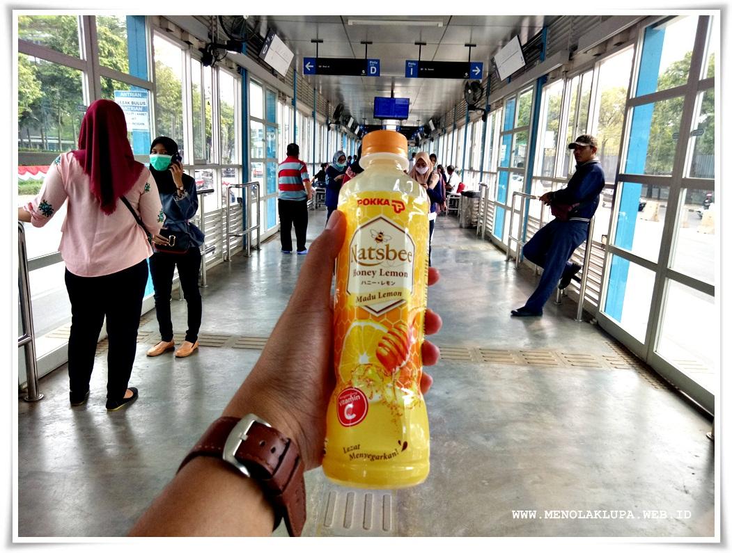 Manfaat minum Natsbee Honey Lemon banyak sekali