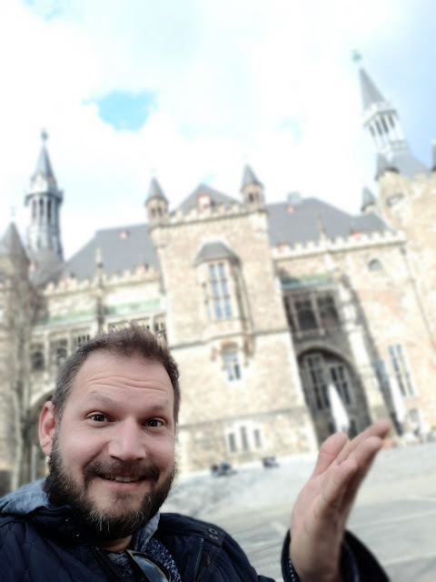 Showing the Aachen city hall aka Charlemagne's palais