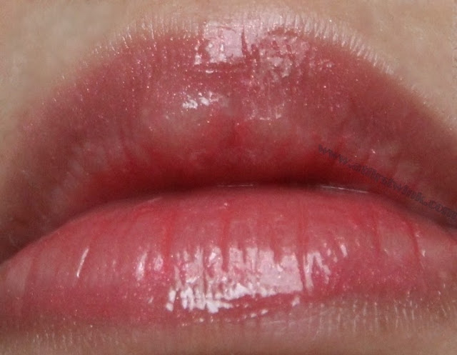 Dior Addict Ultra Gloss 651 on lips
