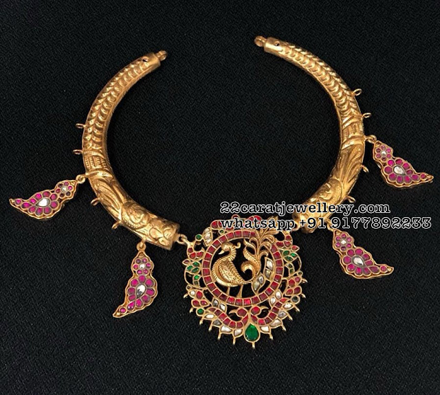 Silver Hasil Chokers with Kundan pendants