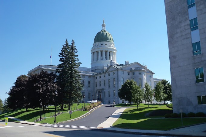 Hindu mantras to start the day in U.S Maine State Senate & House in June