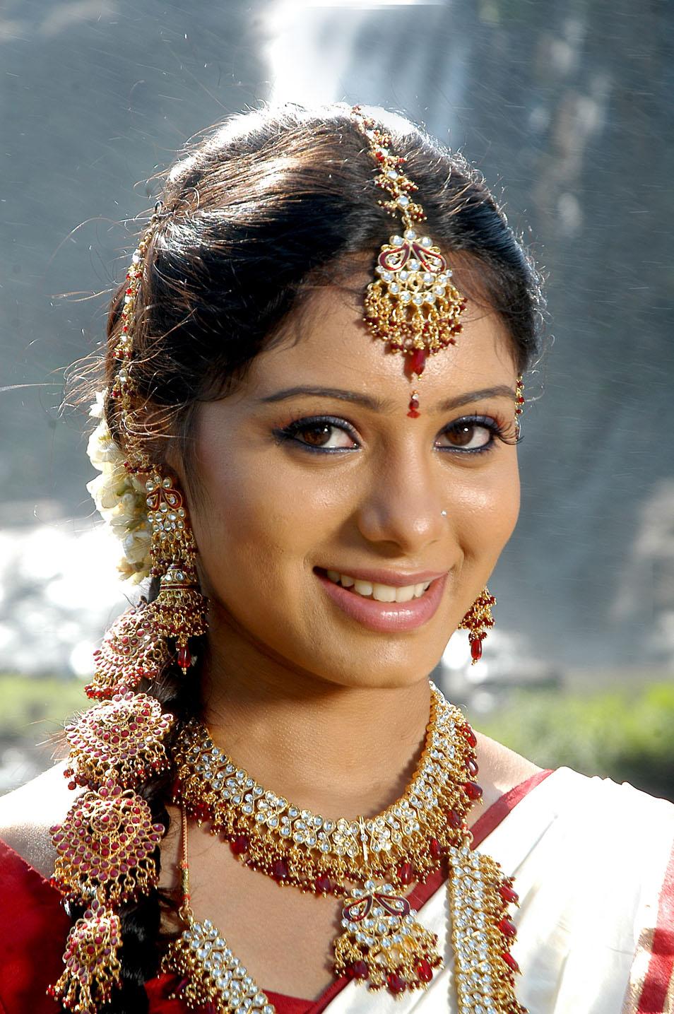 Deepa Sannidhi Stills Sarathi Movie Beautiful Indian -5897