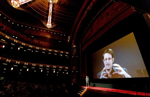 Snowden avisa mayor espionaje en EE.UU. tras triunfo de Trump
