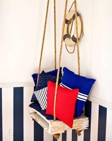 wood pallet hanging seat