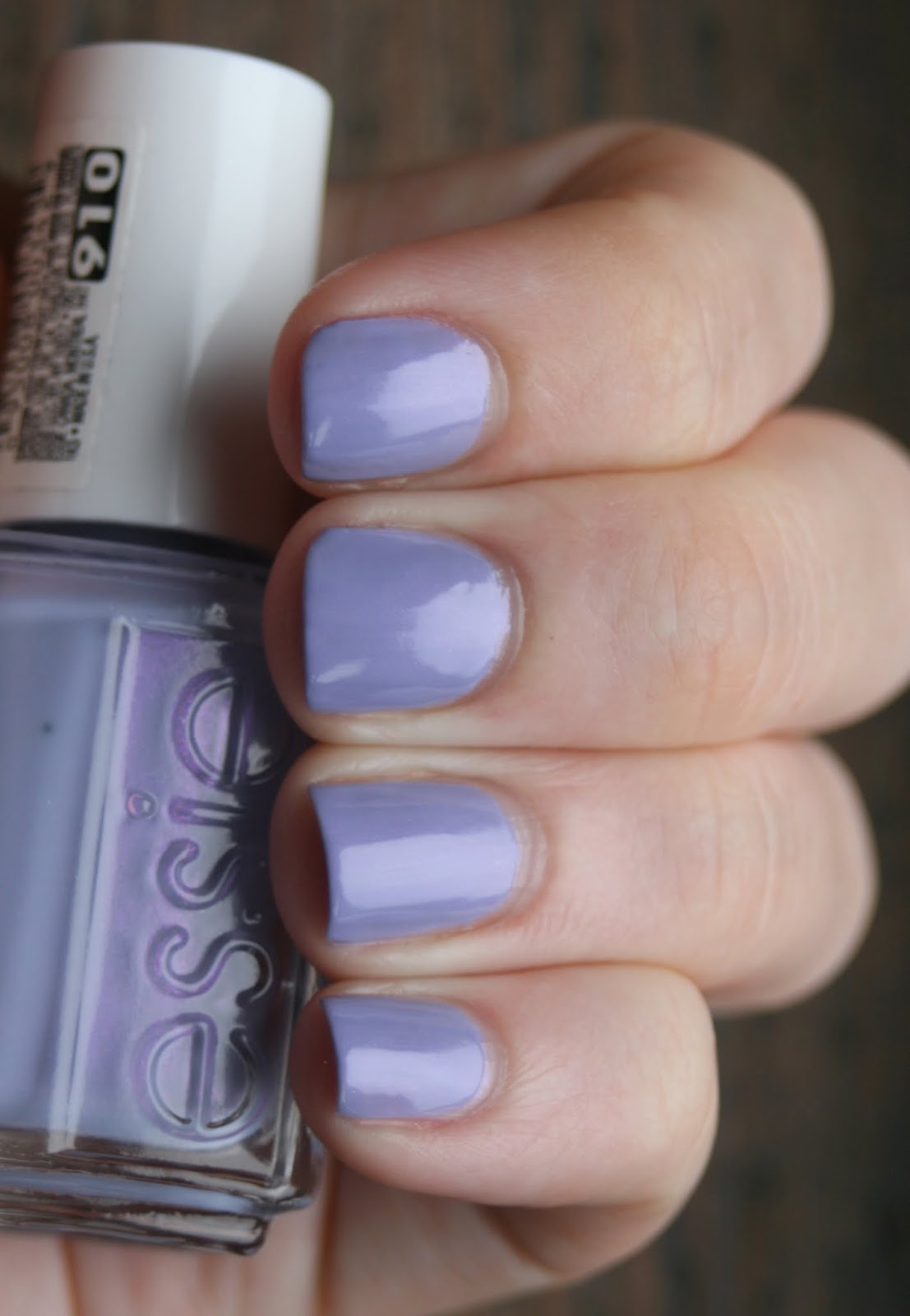 Essie She's Picture Perfect swatch