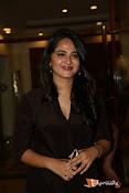 Anushka at Rudramadevi Pressmeet-thumbnail-3