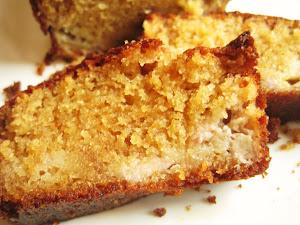 Cake à la banane, au miel et à la cannelle